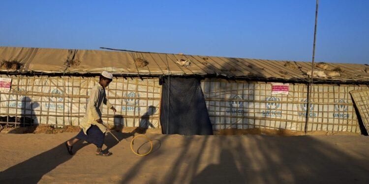Global pressure mounts on Myanmar over Rohingya repatriation